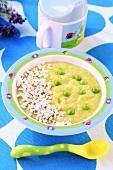 Vegetable puree with peas and turkey