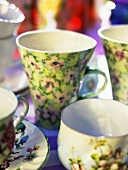 Flower-patterned cups