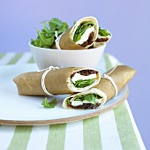 Wraps filled with mozzarella, rocket and onion relish