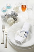 White Christmas place-setting