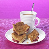 Raspberry blondies (Raspberry slices with white chocolate)