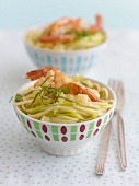 Spaghettini with prawns and coconut sauce