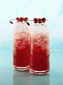 Razz Lemonade (Drink mit Himbeerrum, Cranberrysaft und Soda)