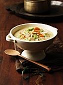 Afrikanische Puten-Curry-Suppe mit Gemüse