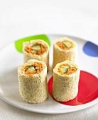 Four maki sandwich rolls