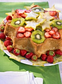 Star-shaped flan with fresh fruit