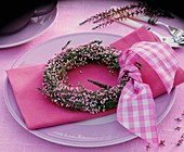 Wreath of heather with bow