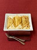 Topfenpalatschinken (Pancakes with curd cheese filling)