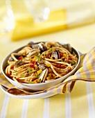 Spaghetti alla vongole (Spaghetti with clams, Italy)