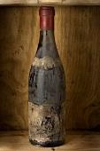 Eine alte Flasche Burgunder