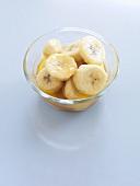 Caramelised banana slices in glass dish