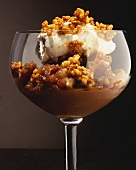 Chocolate cream with caramelised puffed rice and cream