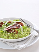 Pea risotto with bacon