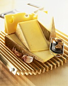 Comté and Emmental with garlic and nutmeg