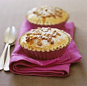 Small pies with pine nuts