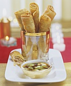 Spring rolls and dip with spring onions (Christmas)