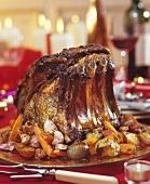Kotelettbraten vom Rind mit Gemüse zu Weihnachten