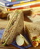Smoked salmon, apple and lettuce sandwich (brown bread)