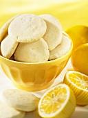 Zitronenplätzchen (Lemon Shortbread)