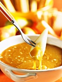 Caramel fondue with pears