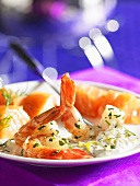 Fondue with shrimps and salmon