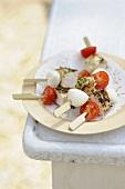 Hähnchenspiesschen mit Mozzarella und Kirschtomate