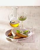 Milchreismousse mit gebackenen Minibananen und Minzpesto