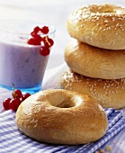 Bagels with berry smoothie