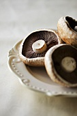 Chestnut mushrooms