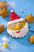 Father Christmas face (biscuit)
