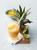 Pina-Colada-Marmelade im Glas