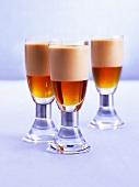 Drink mit Ahornsirup und Amarula Cream (Sahnelikör)