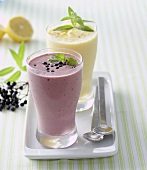 Elderberry and lemon smoothies