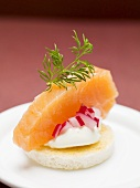 Salmon, onion and cream cheese canapé