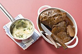 Braised beef with spinach mashed potato