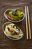 Egg noodles with oyster mushrooms, beef with peppers (Asia)