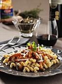 Cellentani alla salsiccia (Pasta with sausage and capers)