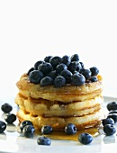 Waffles with maple syrup and blueberries
