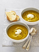 Pumpkin soup with cream and toasted white bread