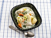 Chicken in dill sauce (Sweden)