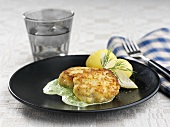 Fish cakes with spinach sauce (Sweden)