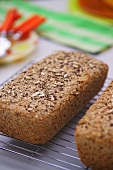 Wholemeal four-grain bread
