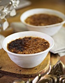 Caramelised rice pudding in bowls