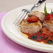 Veal medallions with strawberries in pastis