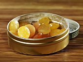 Sticky sweets in tin