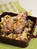 Leg of lamb with potatoes and bacon