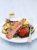 Rotbarbe mit gegrilltem Gemüse