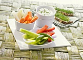 Raw vegetables with quark dip and wholemeal bread with cress
