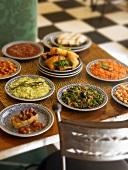 Ein Tisch mit verschiedenen Mezze