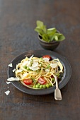 Linguine with cherry tomatoes, peas and mint